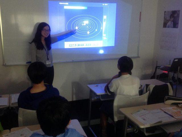 <b>映像による授業で生徒の理解力を深めます。</b>